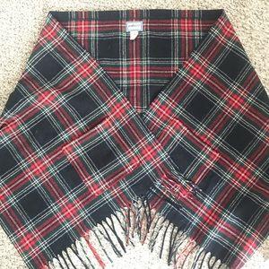 Pendleton scarf/shawl with pockets!